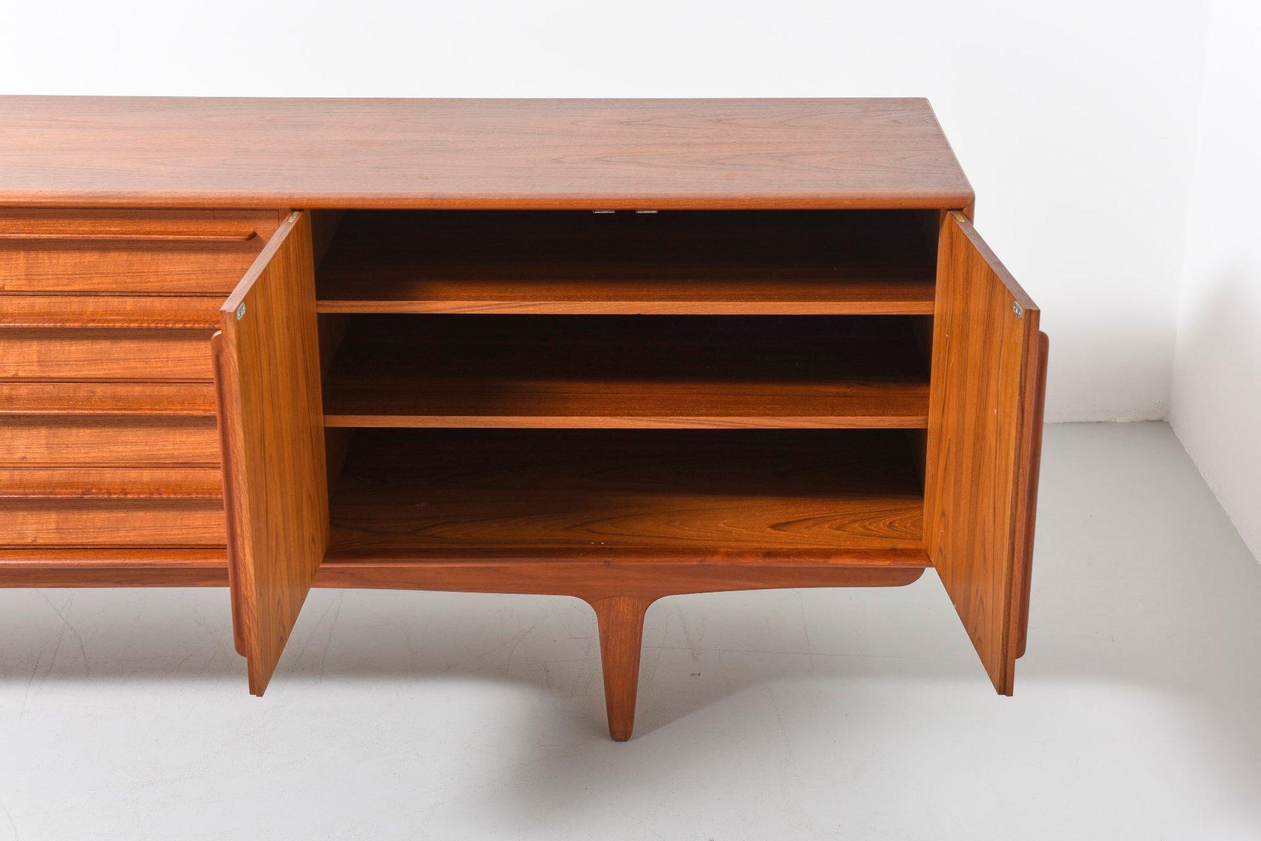 gro es d nisches sideboard aus teak bei pamono kaufen. Black Bedroom Furniture Sets. Home Design Ideas