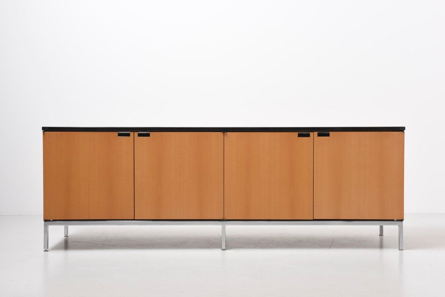 cr dence mid century par florence knoll pour knoll en. Black Bedroom Furniture Sets. Home Design Ideas