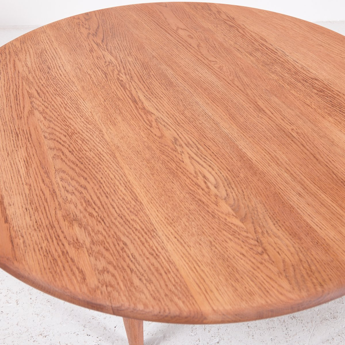 Mid Century Round Oak Coffee Table For Sale At Pamono