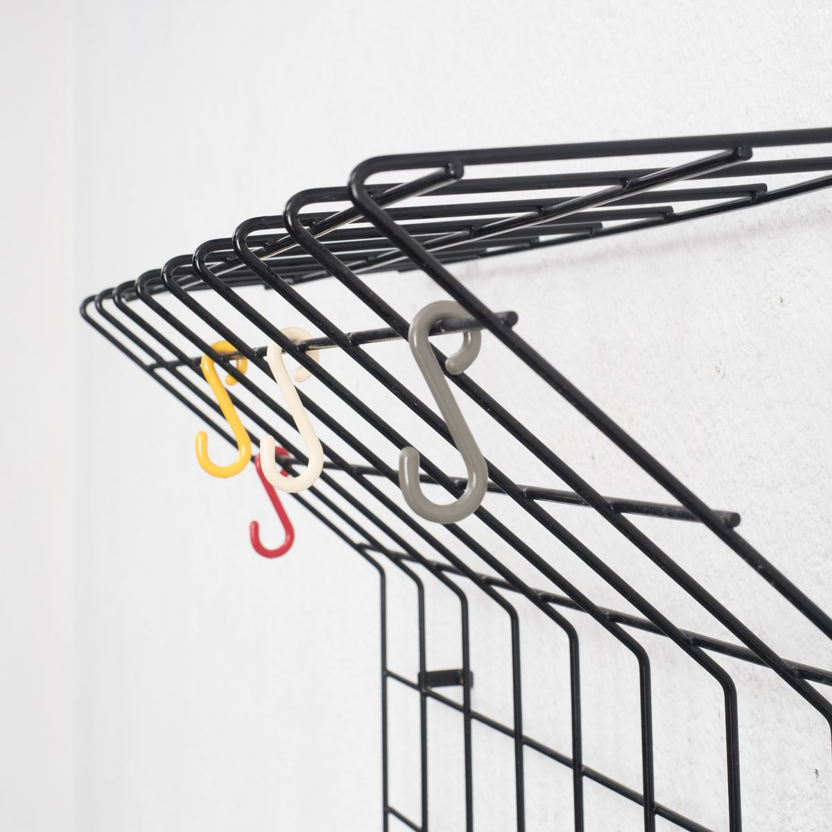 vintage string wardrobe by nisse strinning 1960s for sale at pamono. Black Bedroom Furniture Sets. Home Design Ideas