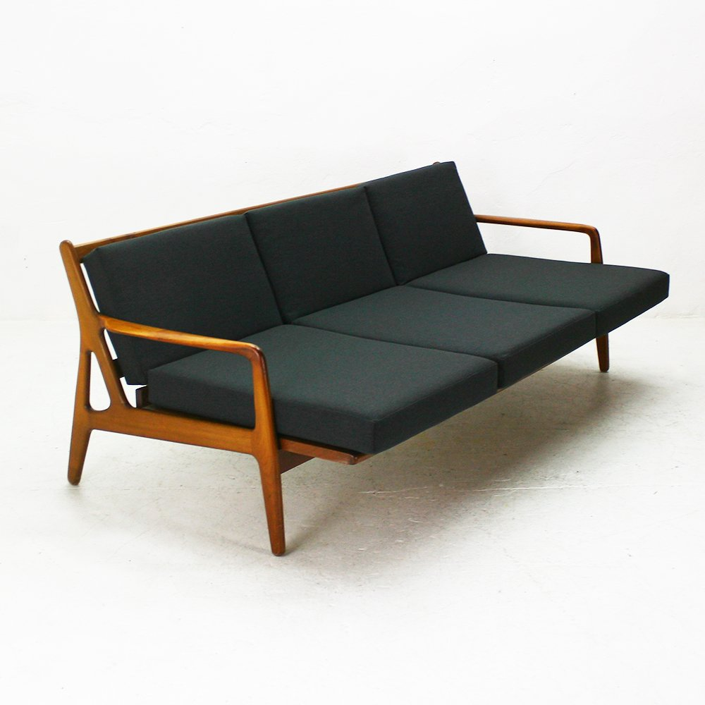Mid Century Extendable Walnut Daybed, 1960s for sale at Pamono