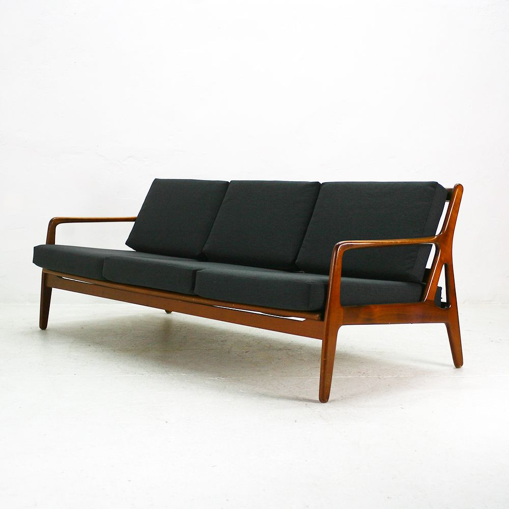 Mid Century Extendable Walnut Daybed, 1960s for sale at Pa