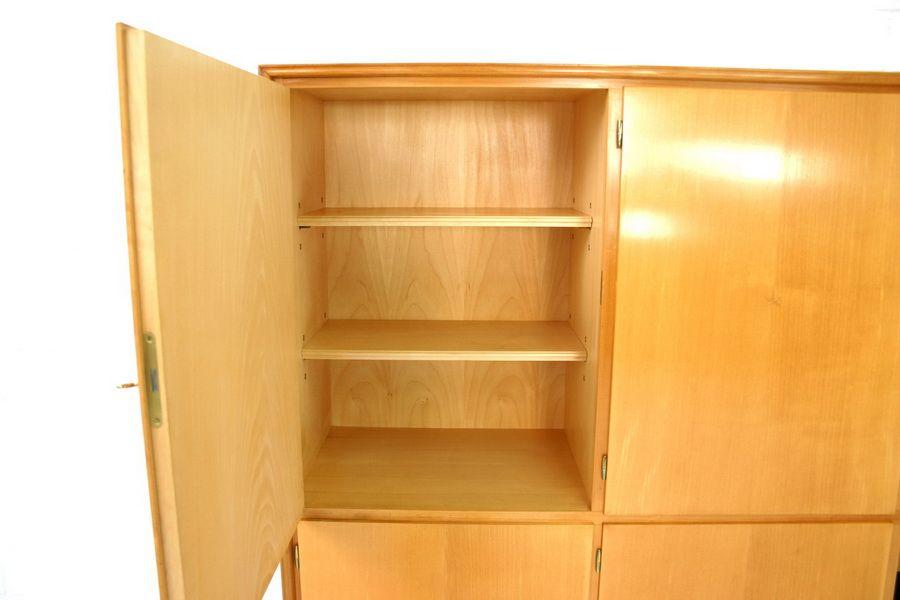 mid century geschirrschrank aus ulmenholz von wk m bel 1970er bei pamono kaufen. Black Bedroom Furniture Sets. Home Design Ideas