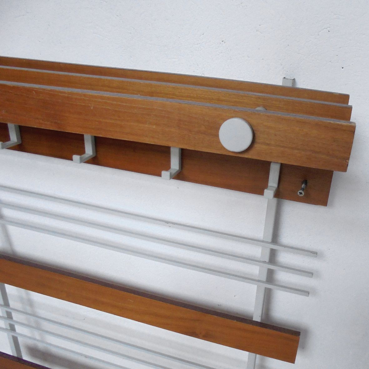 mid century vintage french wall mounted coat rack for sale at pamono. Black Bedroom Furniture Sets. Home Design Ideas