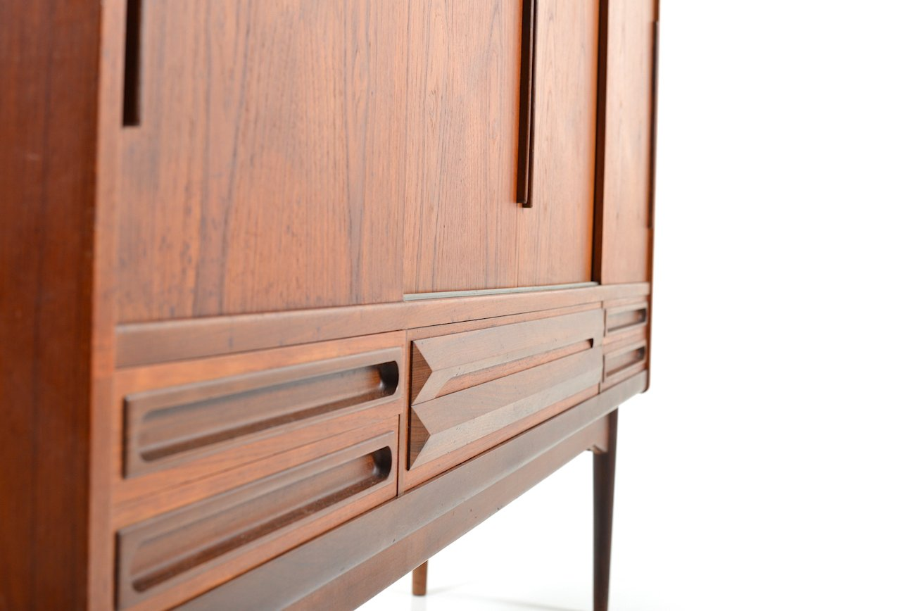 mid century danish teak sideboard with 4 sliding doors for sale at pamono. Black Bedroom Furniture Sets. Home Design Ideas