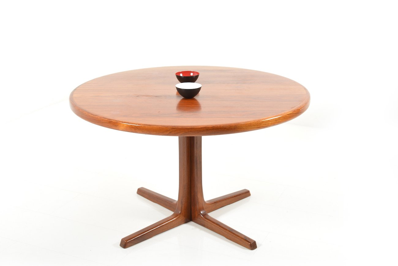 round extendable rosewood dining table from faarup
