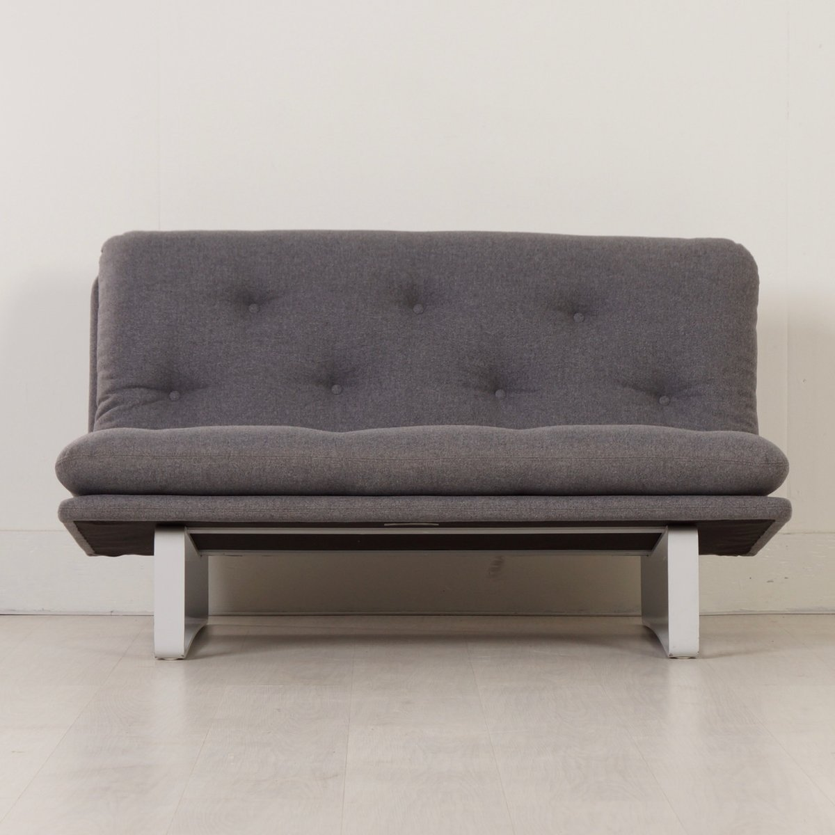 Grey c684 sofa by kho liang ie for artifort 1960s for for Grey sofas for sale