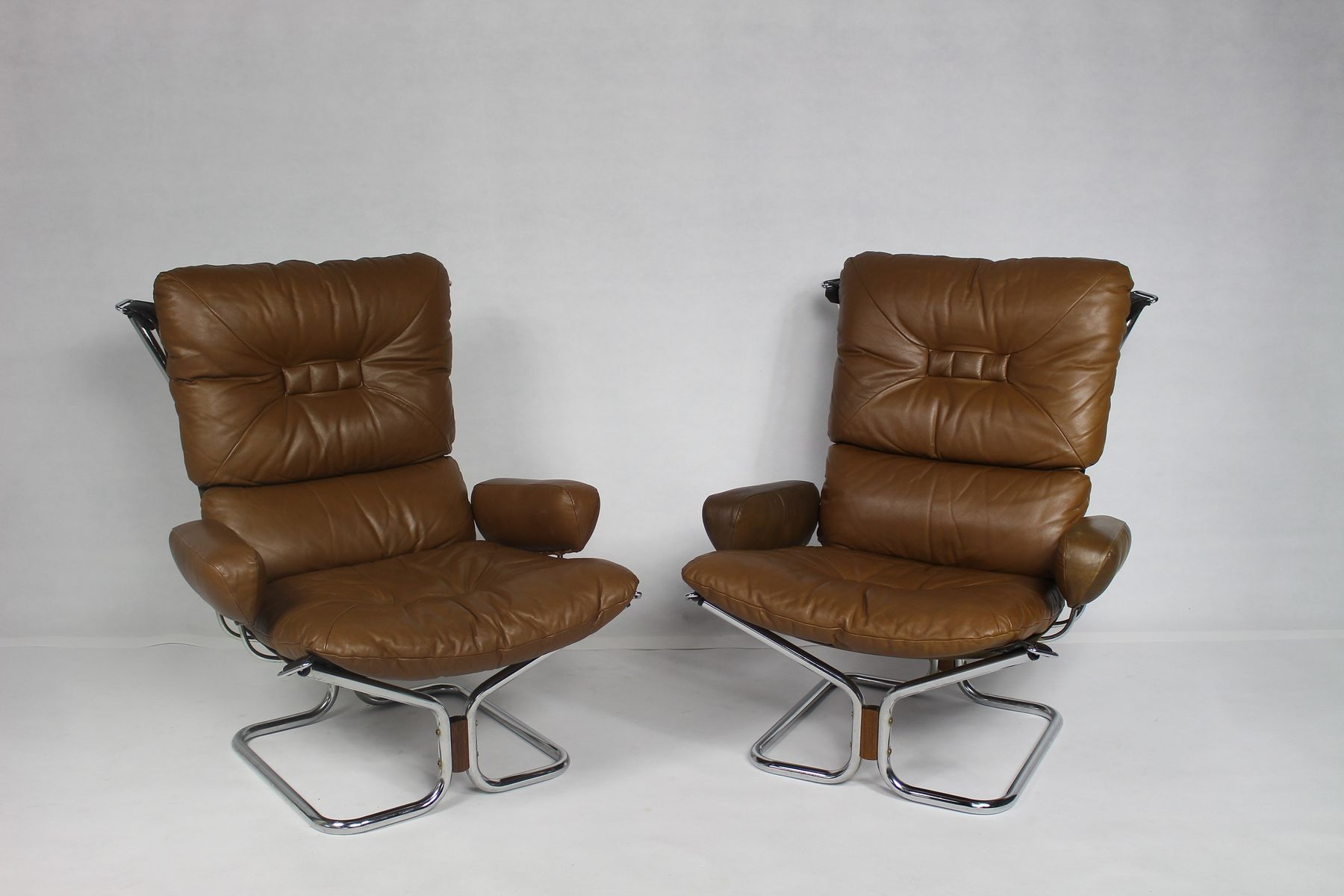 norwegian chrome and leather lounge chairs by ingmar relling for westnofa 1970s set of 2 for. Black Bedroom Furniture Sets. Home Design Ideas