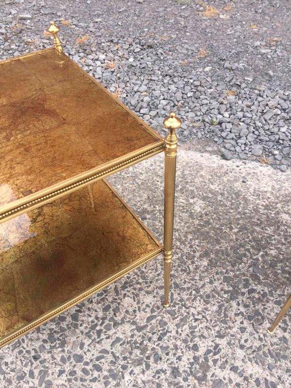 Beistelltische aus vergoldetem metall von maison bagu s for Designer beistelltische metall