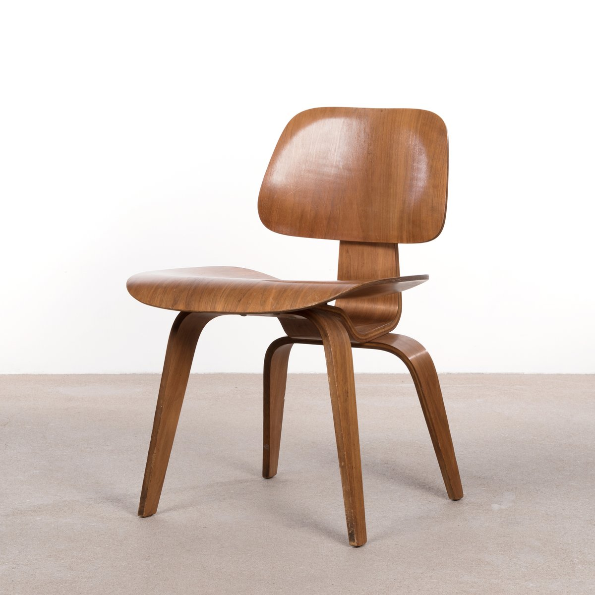 dcw walnut plywood dining chair by charles  ray eames for herman  - dcw walnut plywood dining chair by charles  ray eames for herman miller