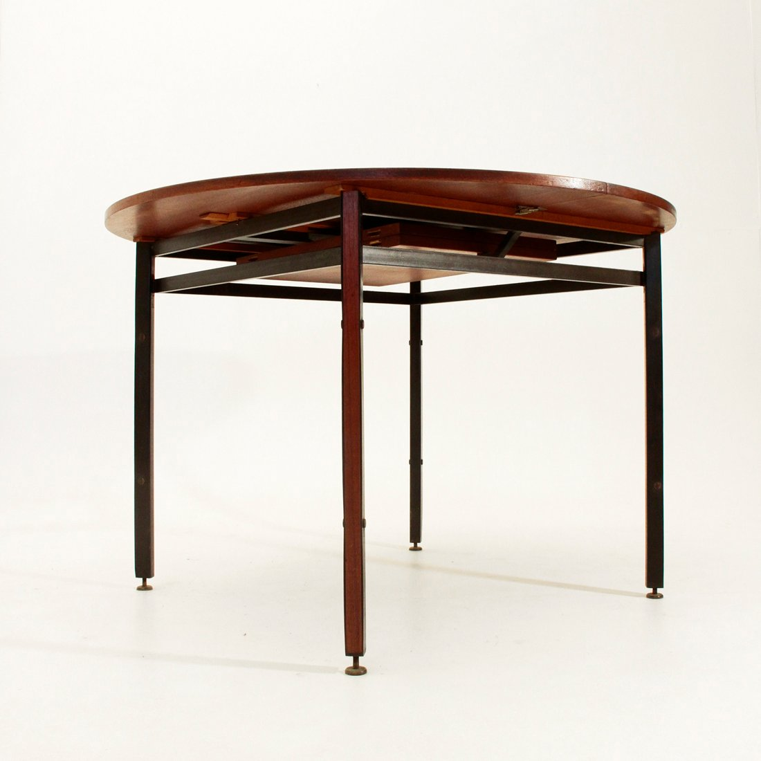 Teak Veneer Round Dining Table 1950s For Sale At Pamono