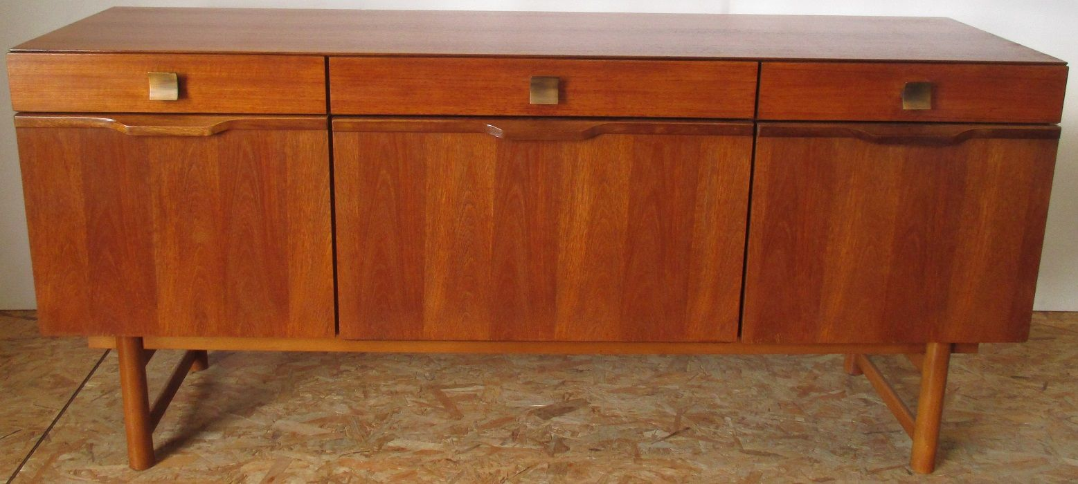vintage sideboard mit drei schubladen 1968 bei pamono kaufen. Black Bedroom Furniture Sets. Home Design Ideas