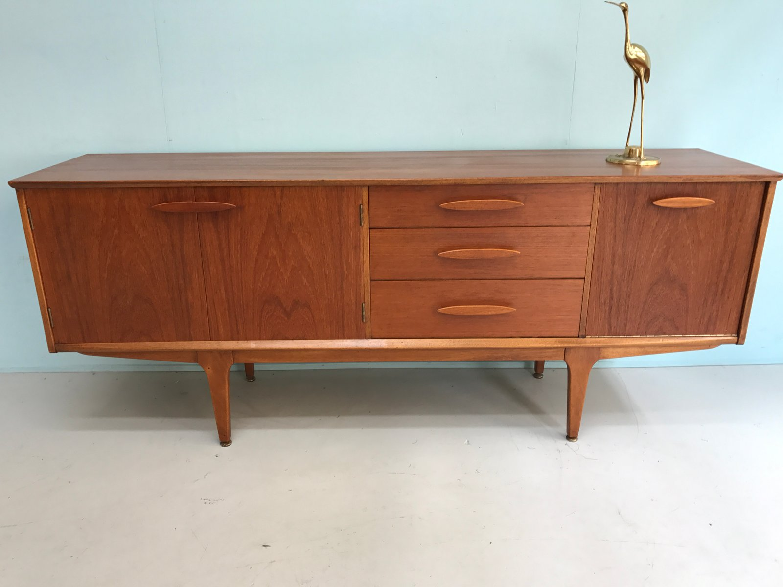 britische kommode von yentique 1960er bei pamono kaufen. Black Bedroom Furniture Sets. Home Design Ideas