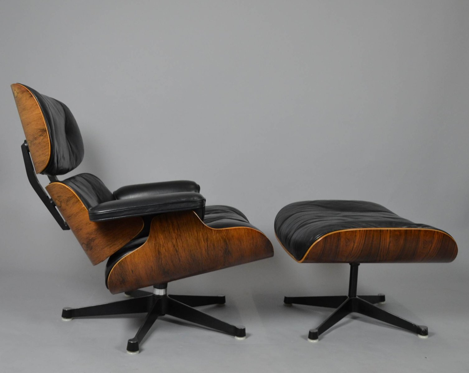 lounge chair ottoman by charles ray eames for vitra 1960s for sale at pamono. Black Bedroom Furniture Sets. Home Design Ideas