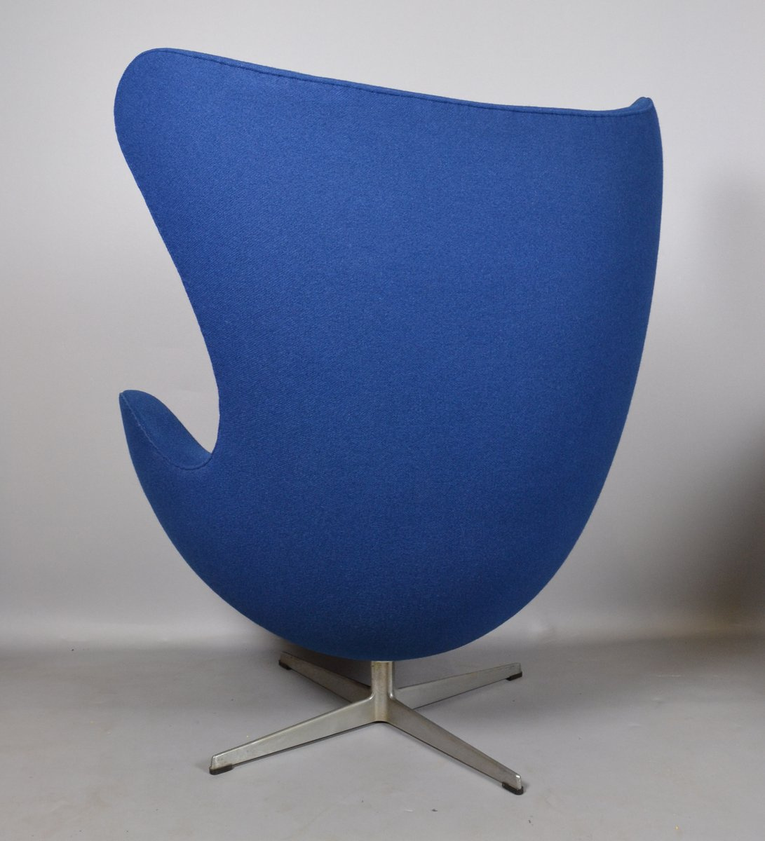 Fabric egg chair by arne jacobsen for fritz hansen 1970s for Arne jacobsen nachbau
