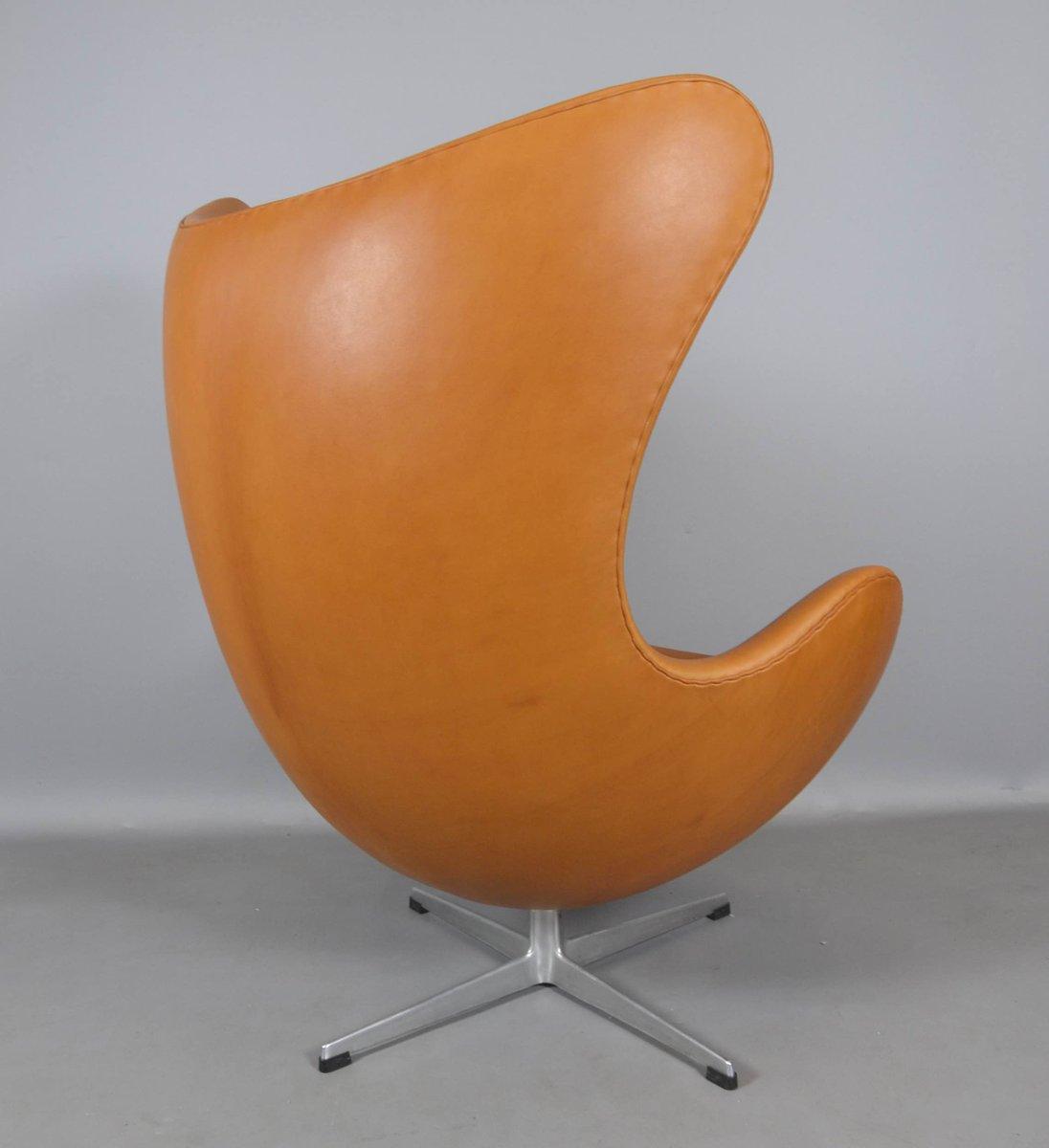 leder egg chair von arne jacobsen f r fritz hansen 1970er bei pamono kaufen. Black Bedroom Furniture Sets. Home Design Ideas