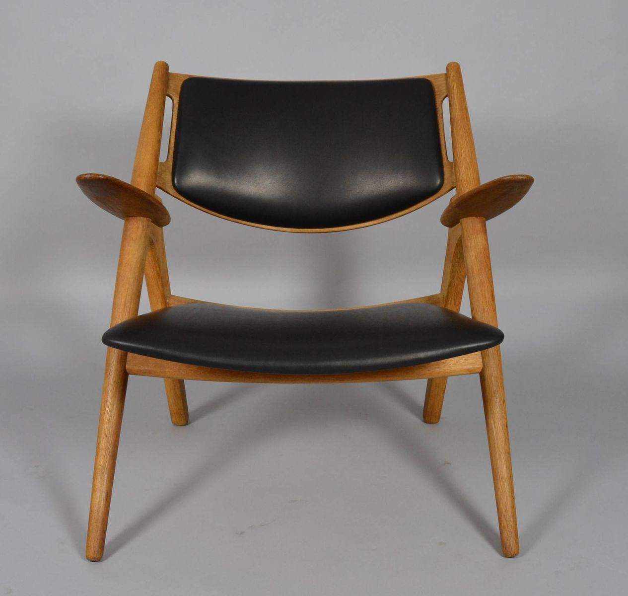 mid century ch28 sawbuck stuhl von hans j wegner f r carl hansen bei pamono kaufen. Black Bedroom Furniture Sets. Home Design Ideas