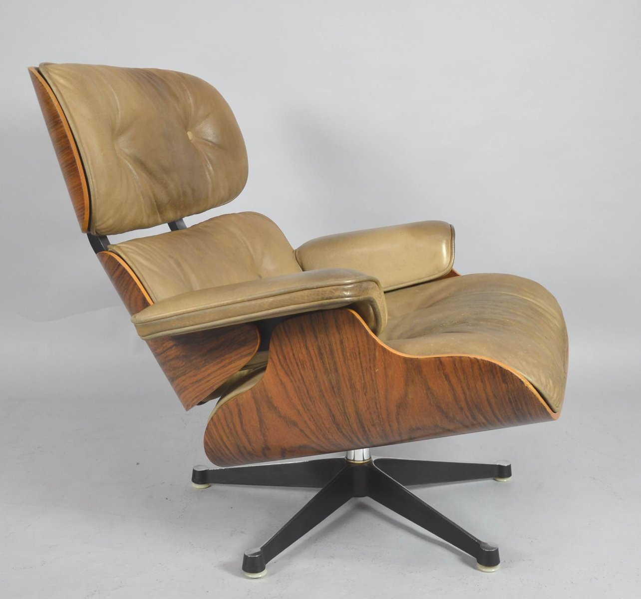 mid century lounge chair by charles ray eames for. Black Bedroom Furniture Sets. Home Design Ideas