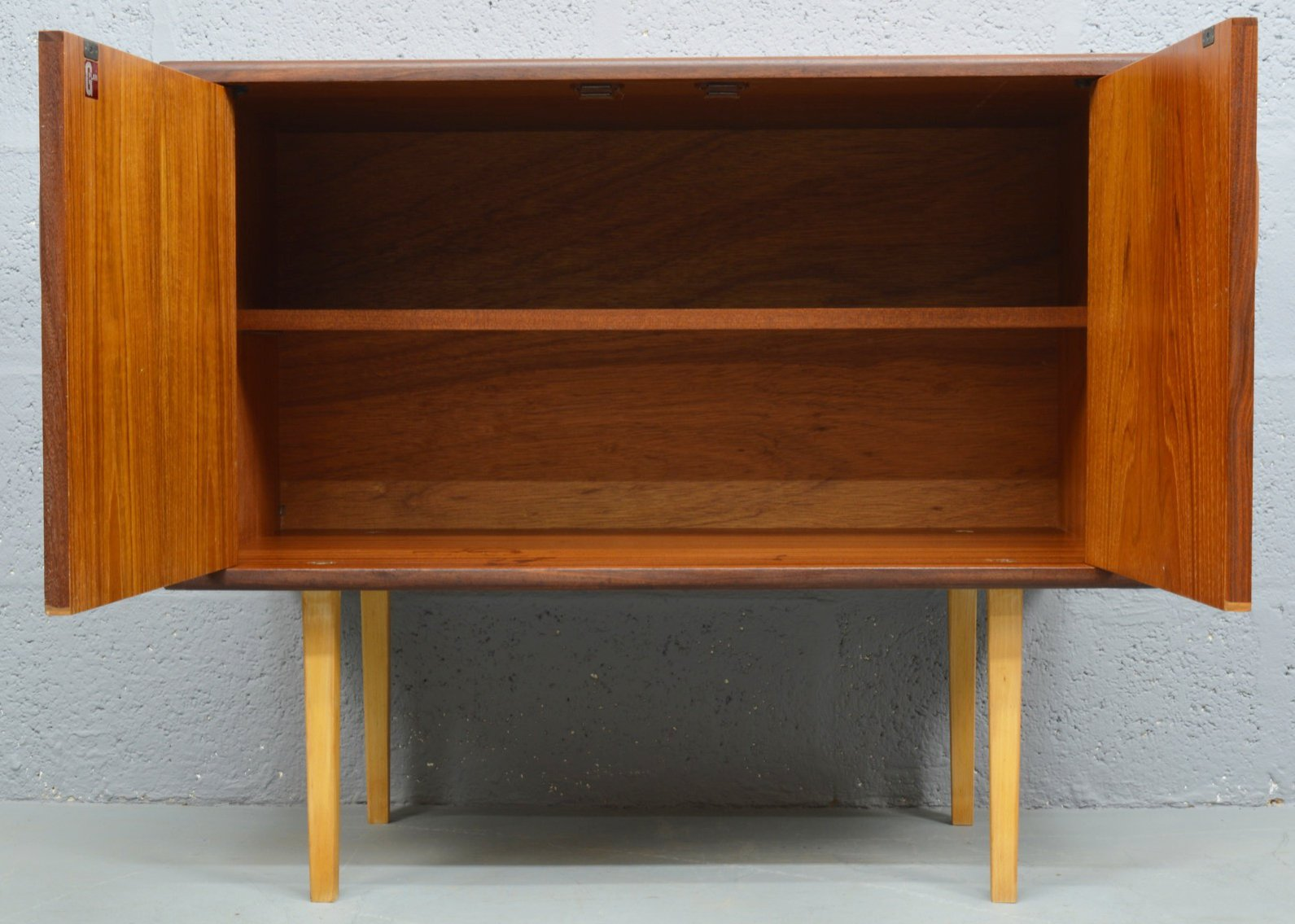 Mid-Century Teak TV/LP Cabinet from G-Plan for sale at Pamono