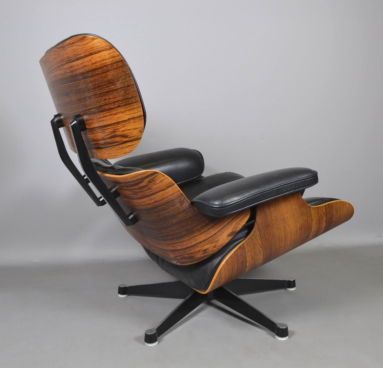 lounge chair by charles ray eames for vitra 1960s for. Black Bedroom Furniture Sets. Home Design Ideas