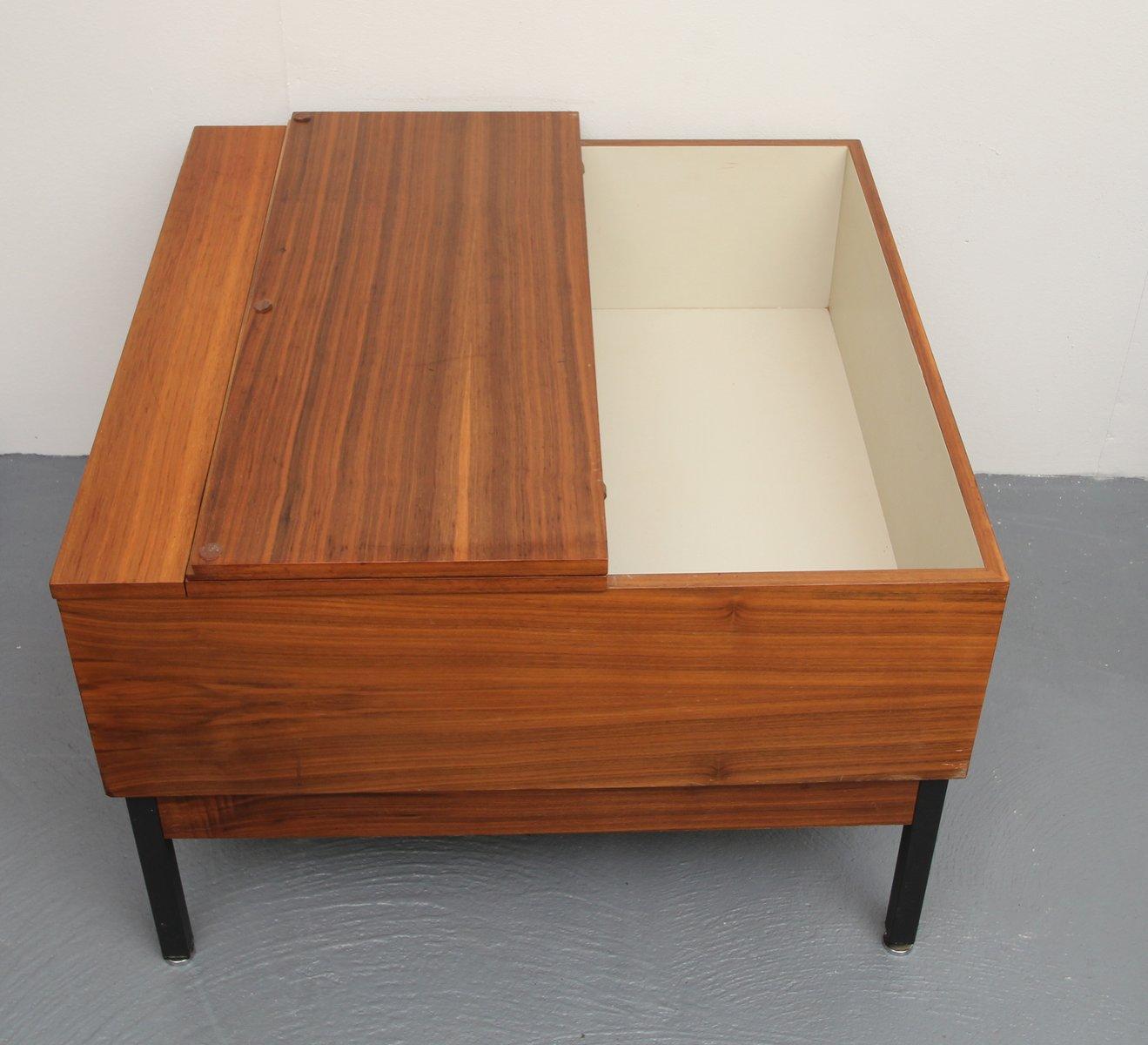 walnuss furnier couchtisch mit aufbewahrung 1960er bei pamono kaufen. Black Bedroom Furniture Sets. Home Design Ideas