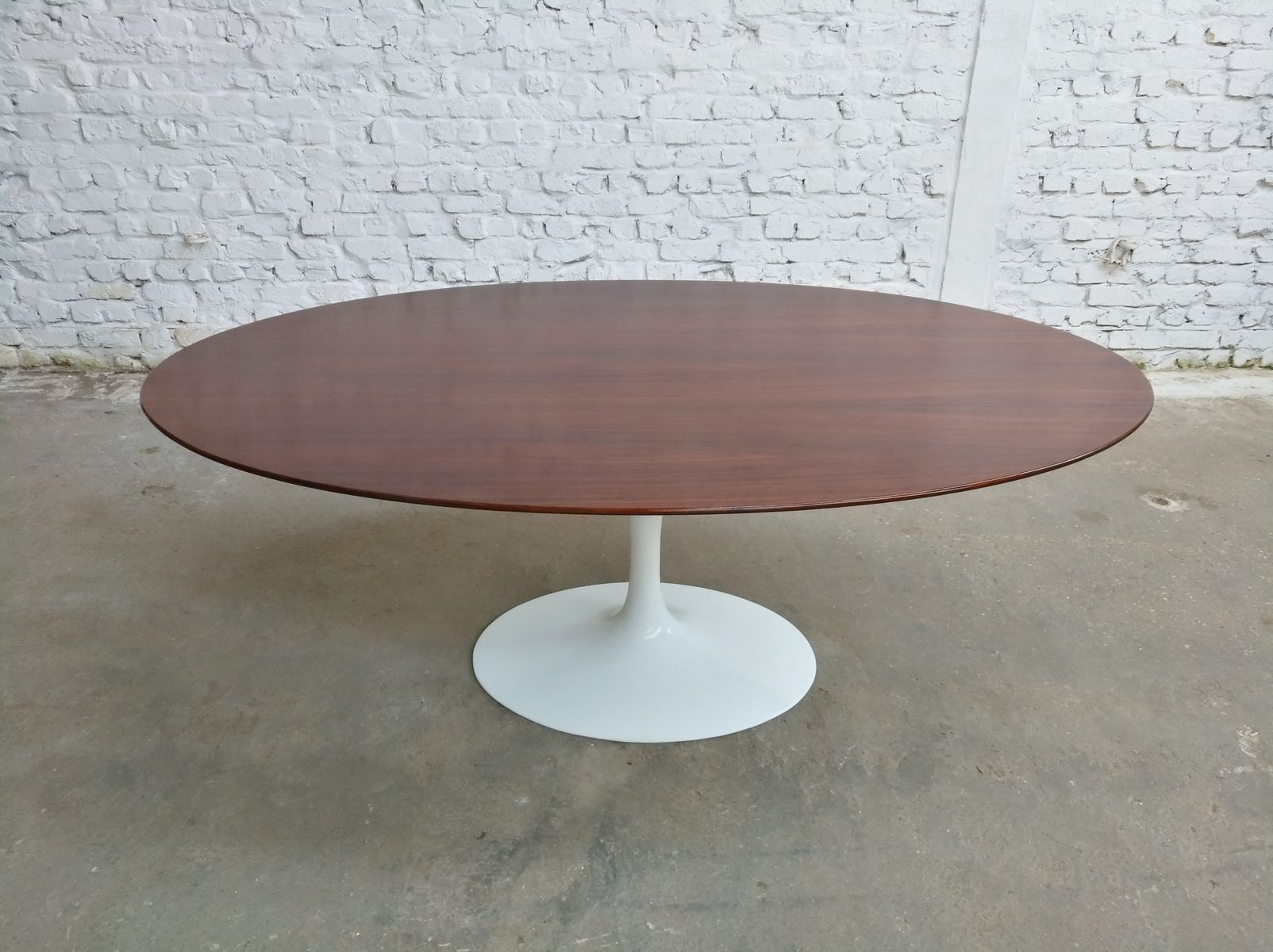 oval rosewood dining table by eero saarinen for knoll international 1960s for sale at pamono. Black Bedroom Furniture Sets. Home Design Ideas