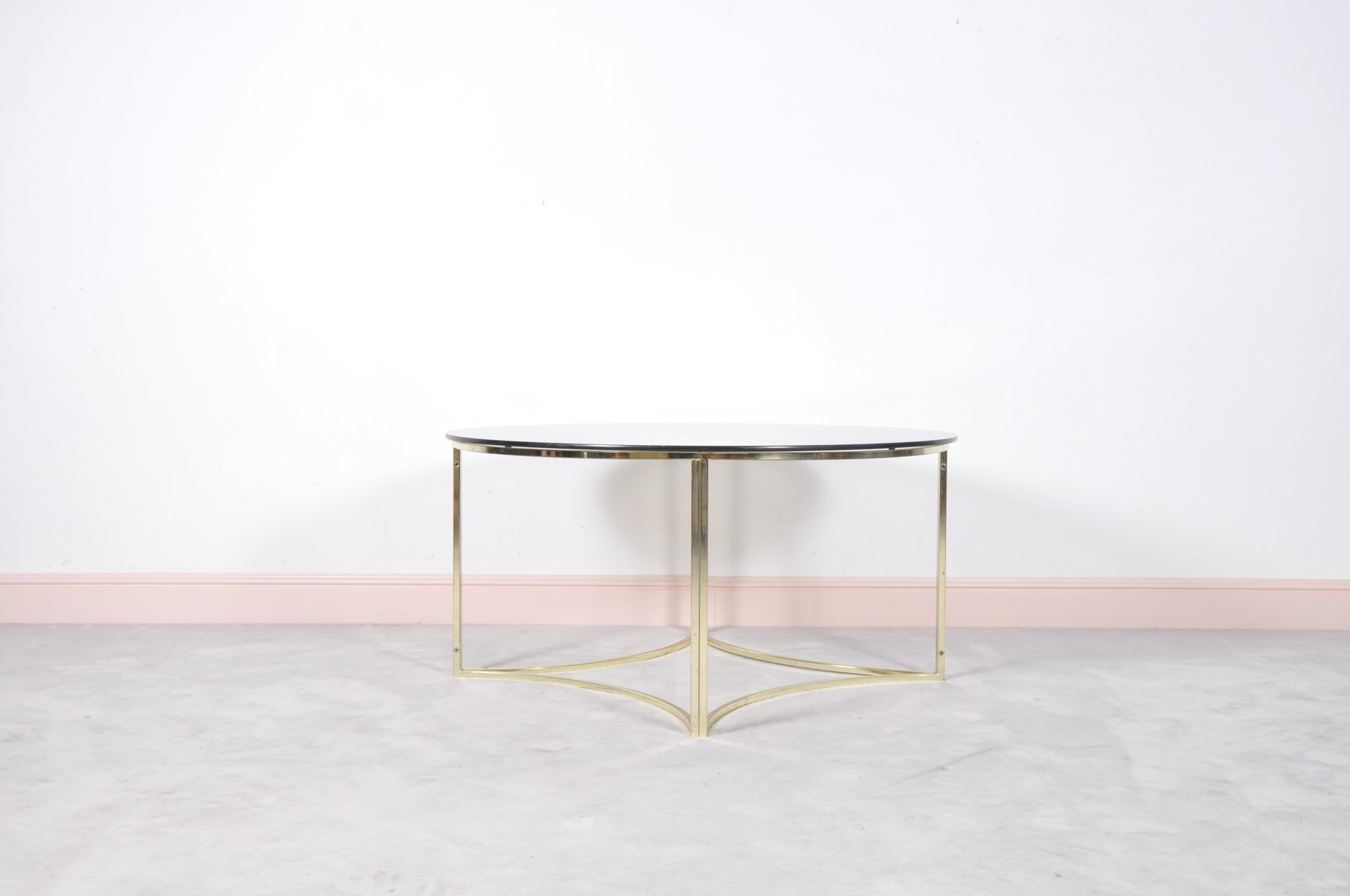 mid century couchtisch aus messing glas bei pamono kaufen. Black Bedroom Furniture Sets. Home Design Ideas