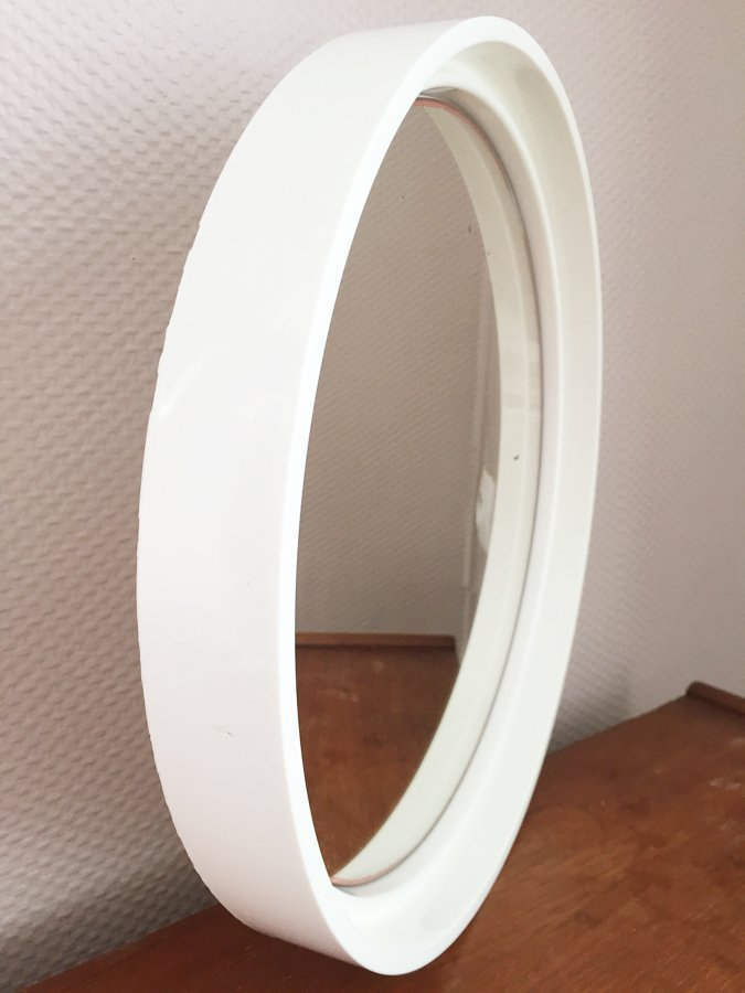 miroir rond en plastique blanc 1970s en vente sur pamono. Black Bedroom Furniture Sets. Home Design Ideas
