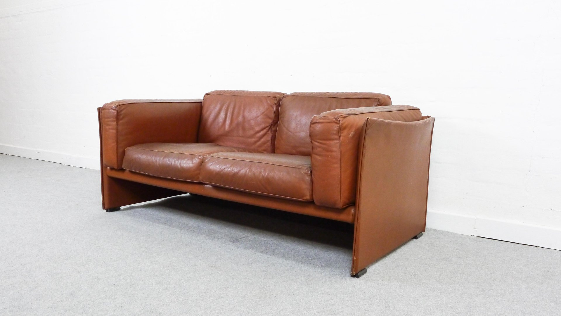 vintage model 405 duc two seater leather sofa by mario. Black Bedroom Furniture Sets. Home Design Ideas