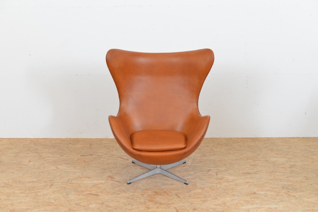 This arne jacobsen swan chair in cognac leather by fritz hansen is no - Mid Century Leather Egg Chair By Arne Jacobsen For Fritz Hansen
