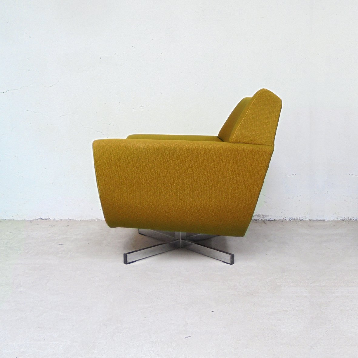 Vintage Swivel Lounge Chair 1970s For Sale At Pamono