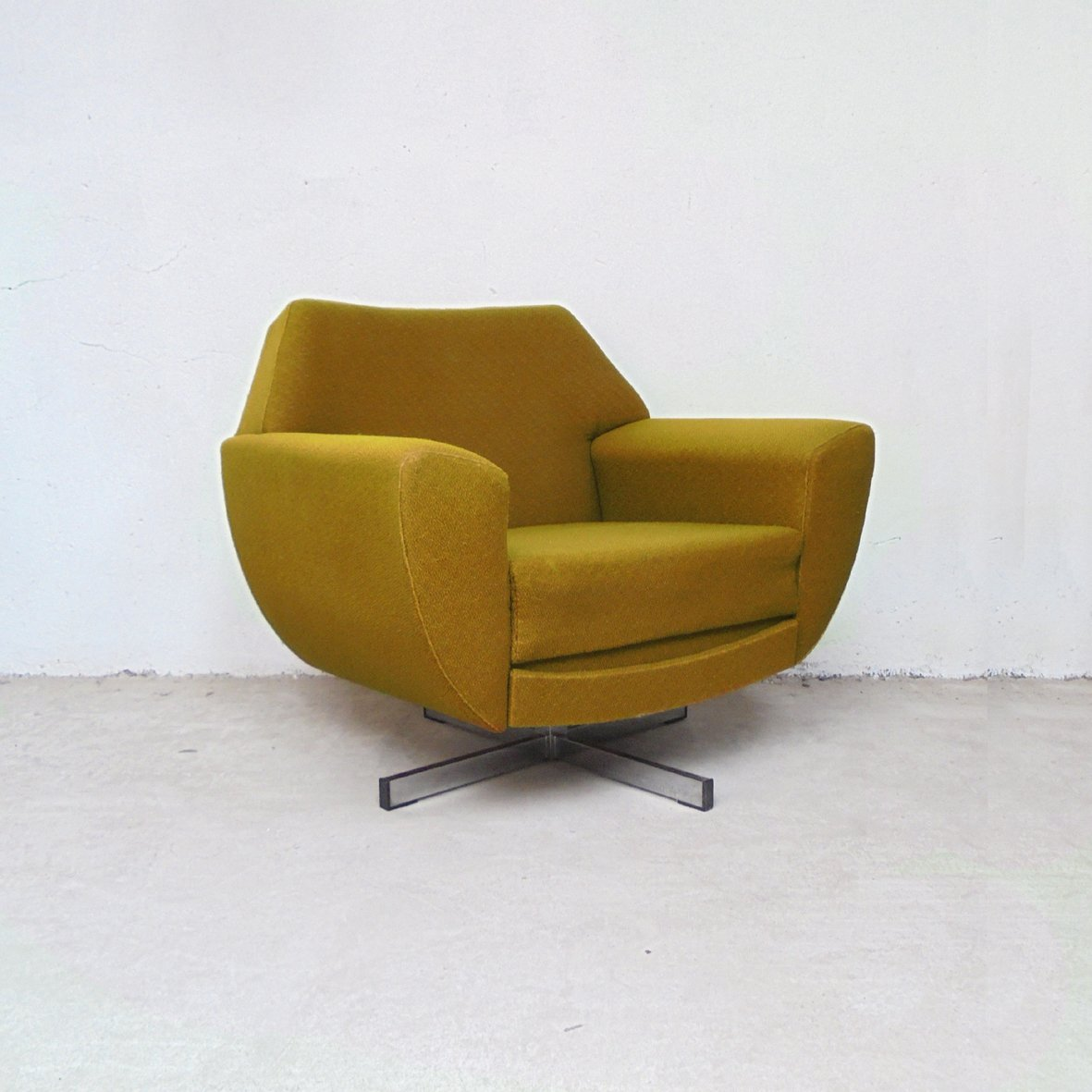 Vintage Swivel Lounge Chair, 1970s For Sale At Pamono