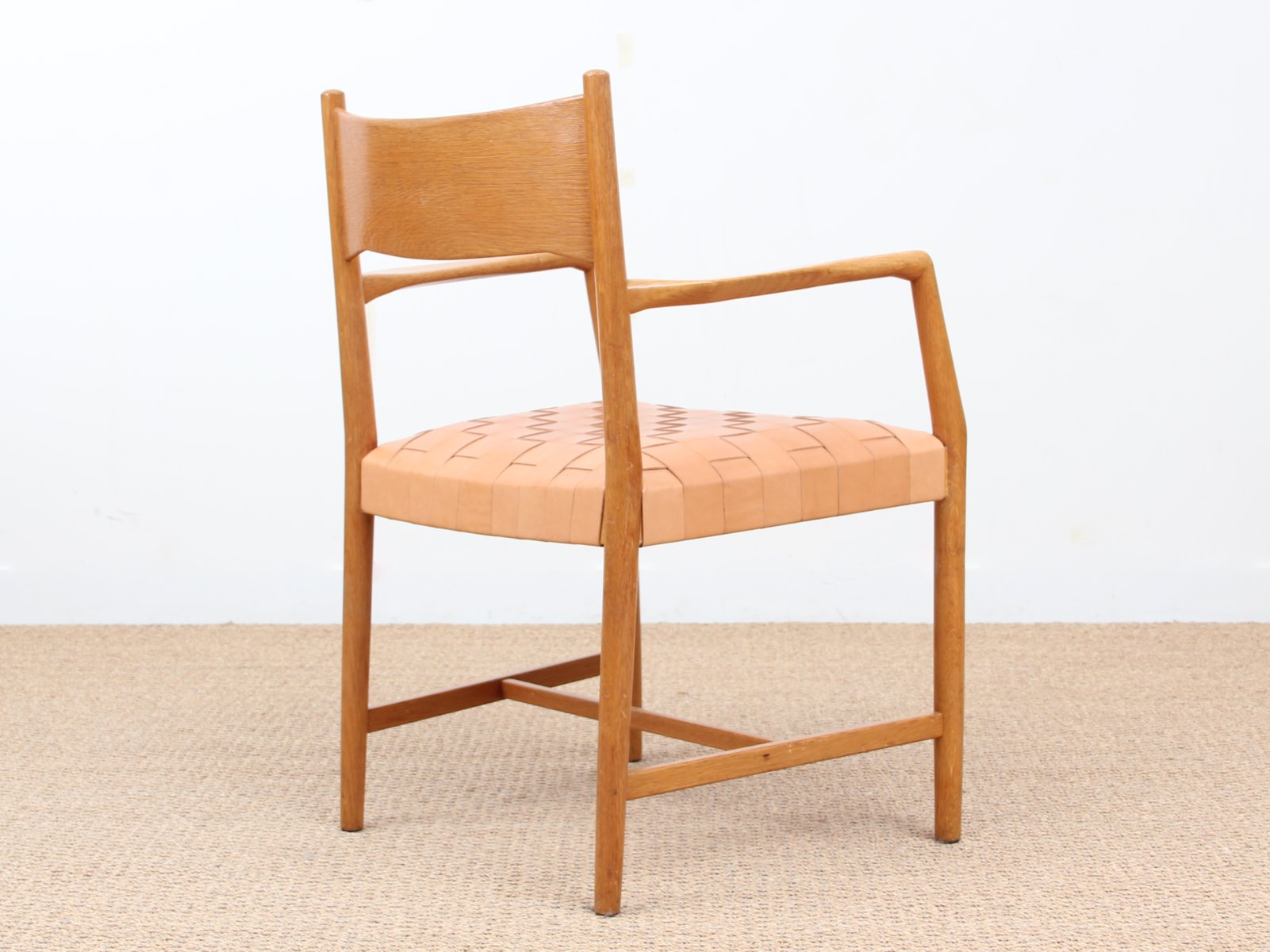 fauteuil rhus city hall par hans wegner pour planm bler. Black Bedroom Furniture Sets. Home Design Ideas