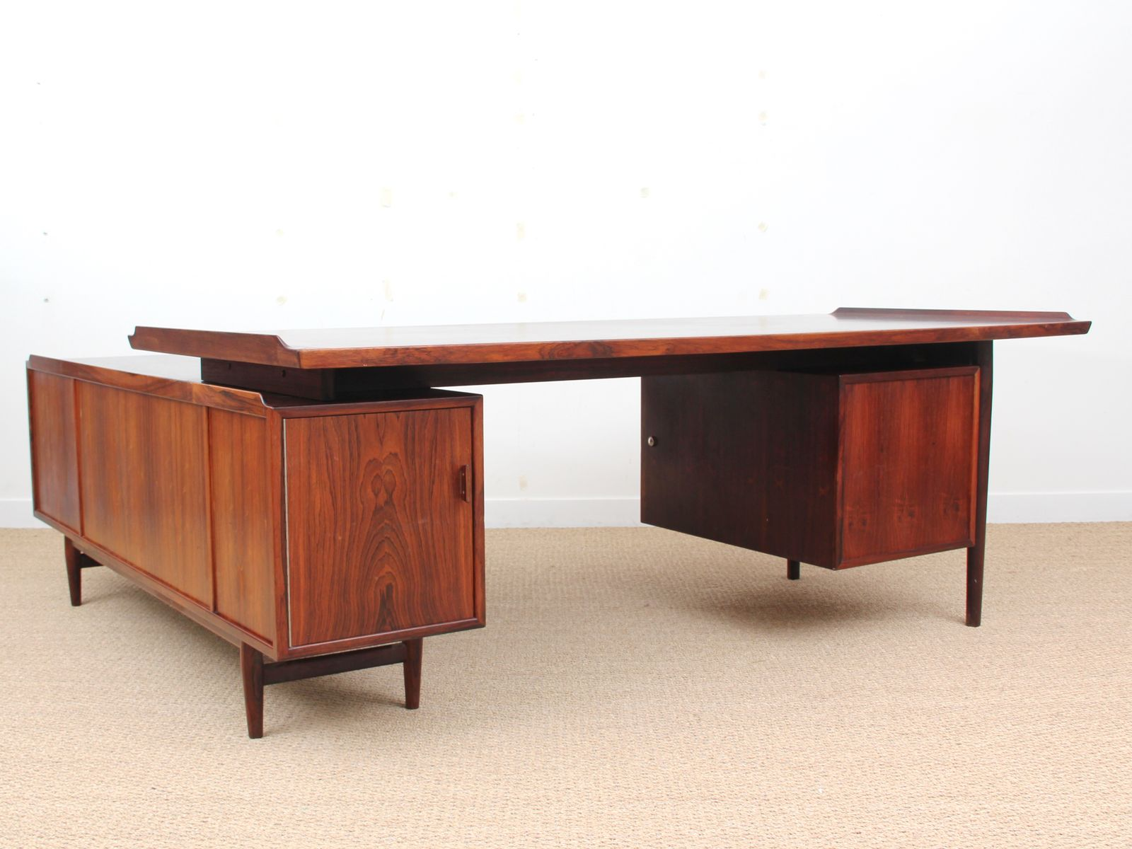 Large Scandinavian Rio Rosewood Desk By Arne Vodder For Sibast 1960s