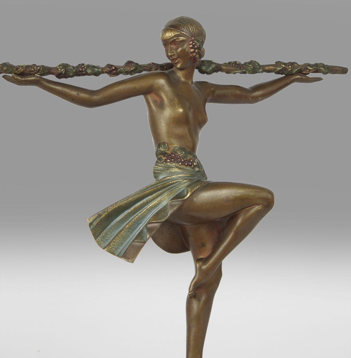 art deco danseuse au thyrse skulptur von pierre le faguays. Black Bedroom Furniture Sets. Home Design Ideas