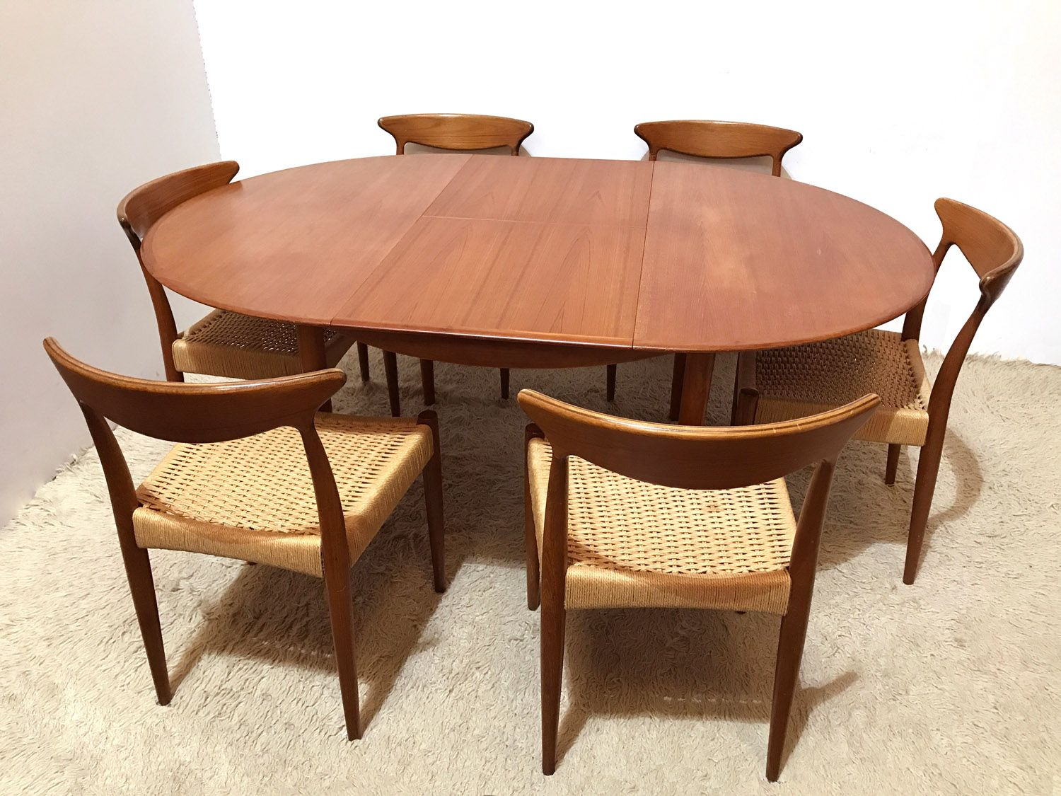 table de salle manger ronde extensible de dyrlund danemark 1960s en vente sur pamono. Black Bedroom Furniture Sets. Home Design Ideas