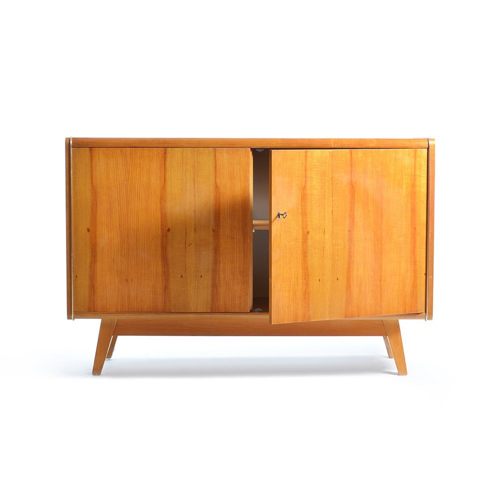 sideboard mit schwarzer glasplatte von jitona 1960er bei. Black Bedroom Furniture Sets. Home Design Ideas