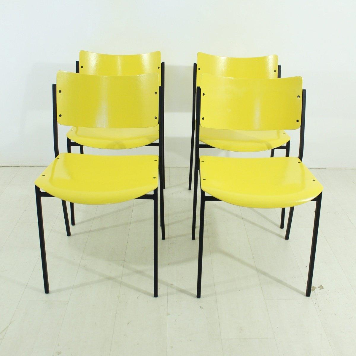 chaises jaunes 1960s set de 4 en vente sur pamono. Black Bedroom Furniture Sets. Home Design Ideas