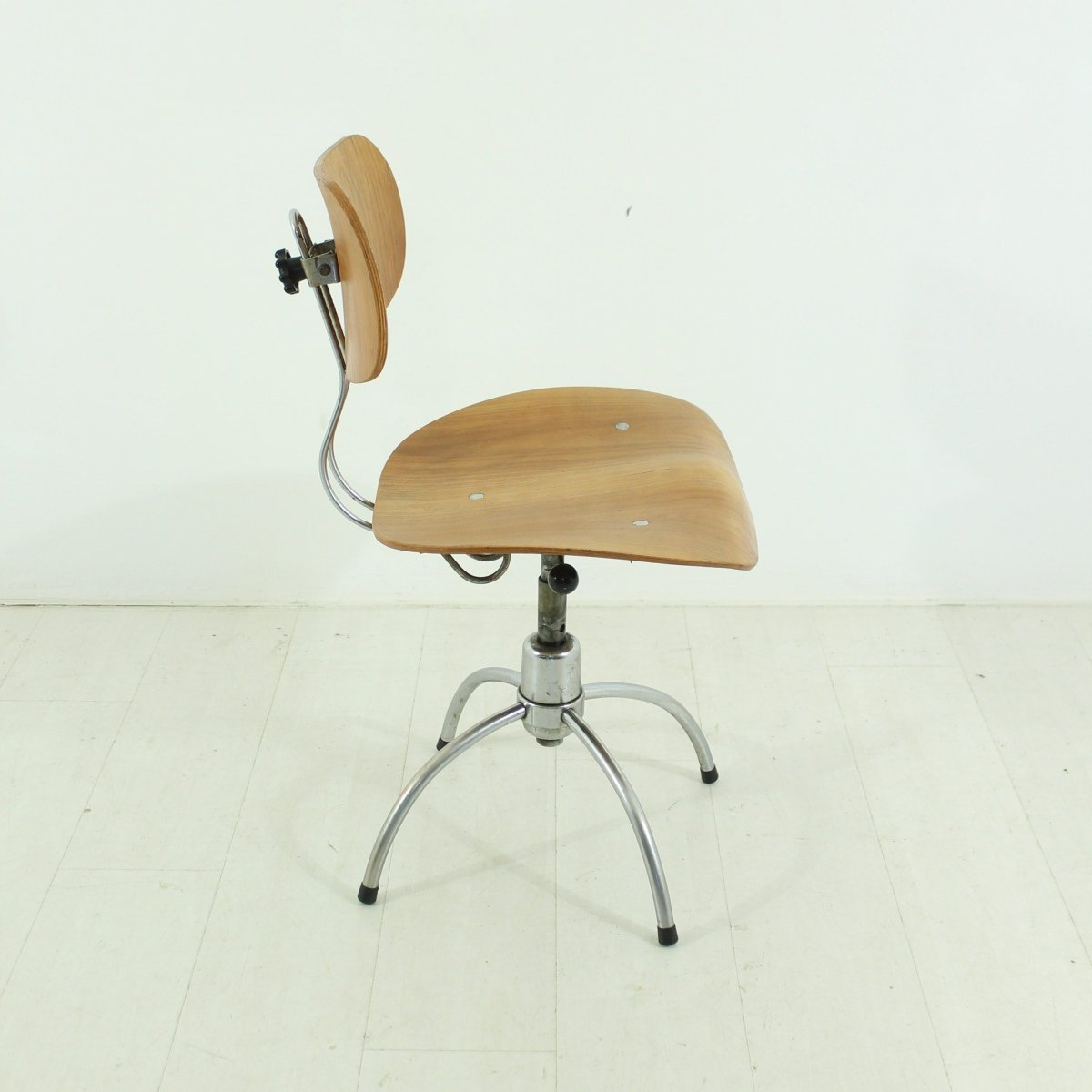 Bürostuhl design award  Mid-Century SE 40 Teak Office Chair by Egon Eiermann for sale at ...