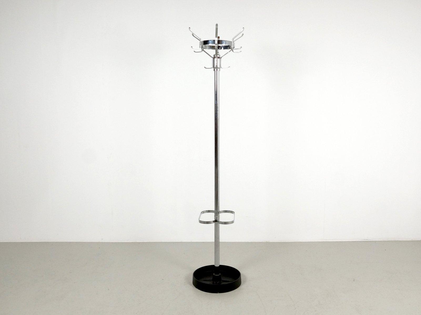 portemanteau sur pied en chrome avec porte parapluies 1970s en vente sur pamono. Black Bedroom Furniture Sets. Home Design Ideas