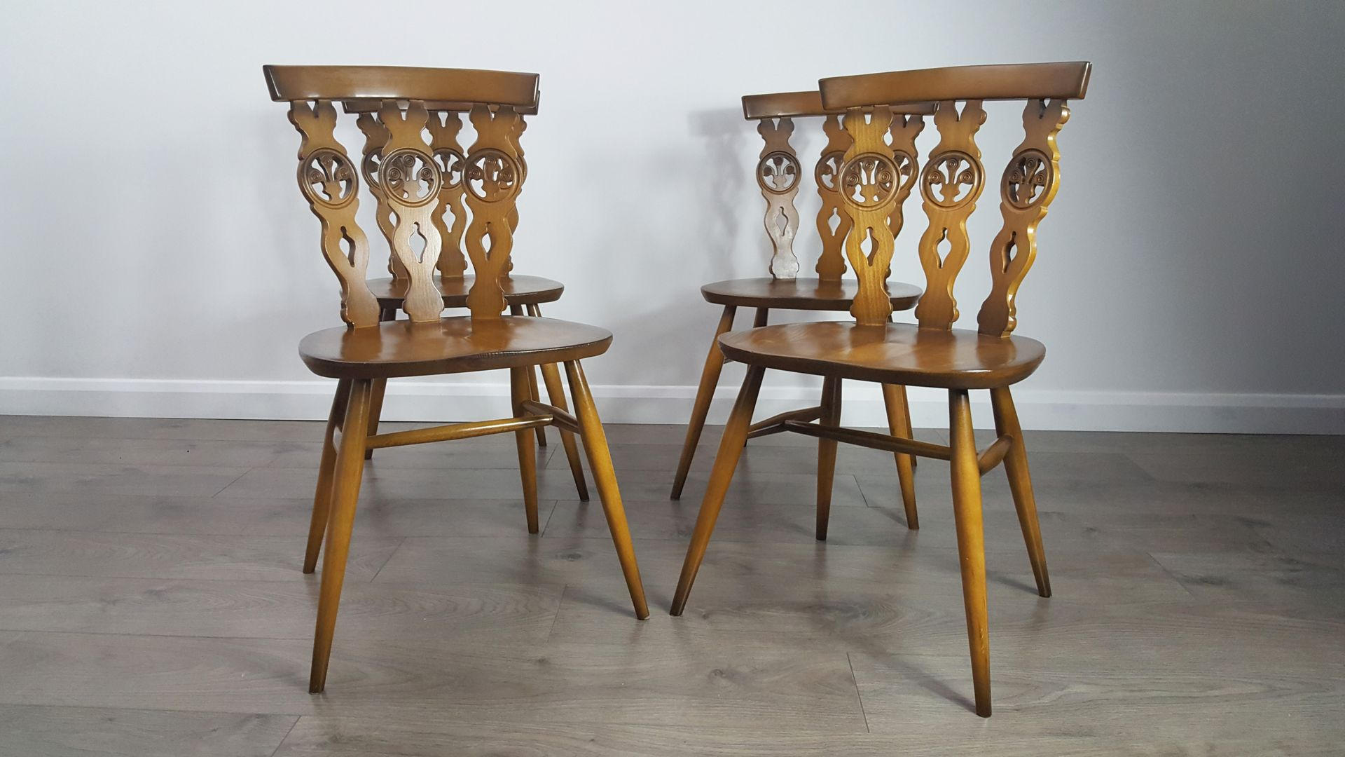 Vintage Bow Top Windsor Chairs by Lucian Ercolani for Ercol Set