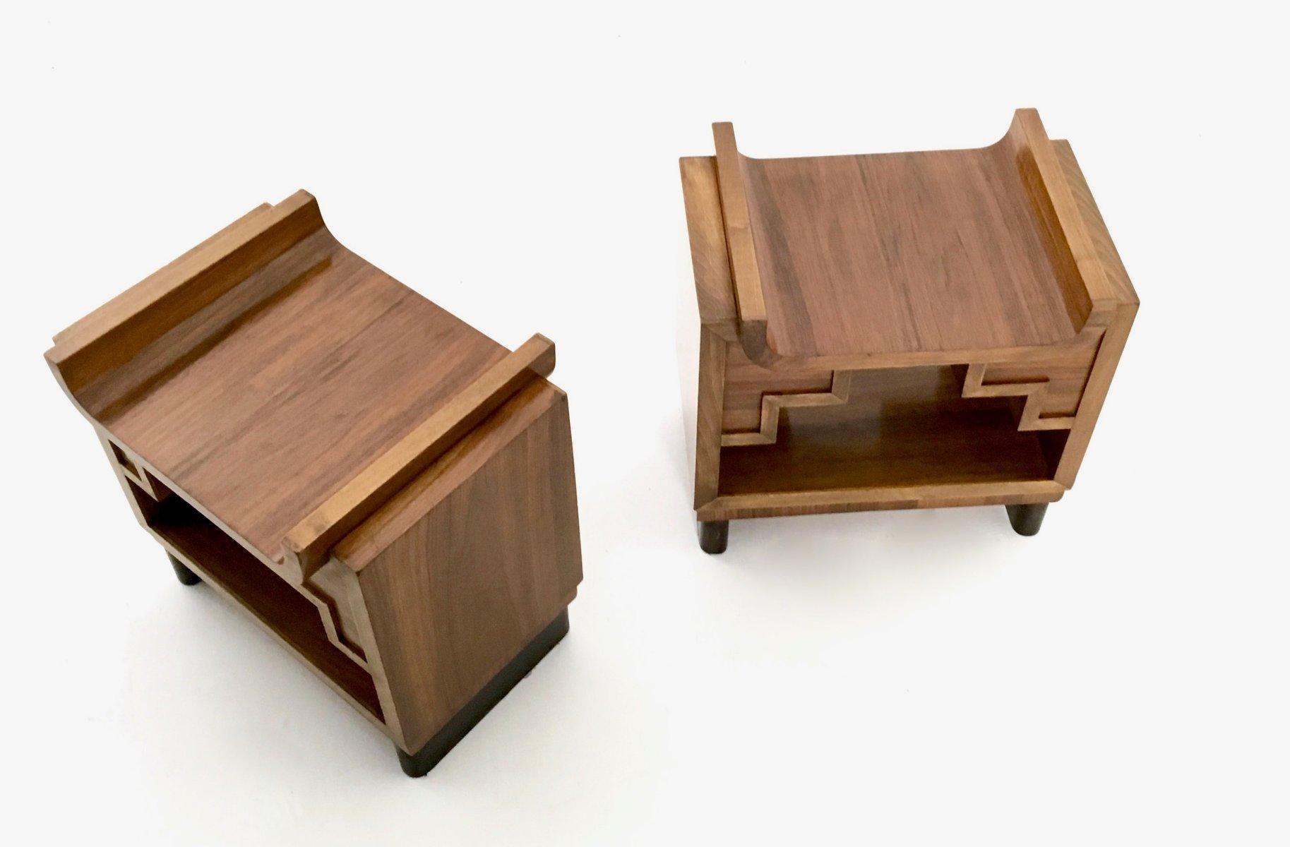 italienische vintage nussbaumholz nachttische 2er set bei pamono kaufen. Black Bedroom Furniture Sets. Home Design Ideas