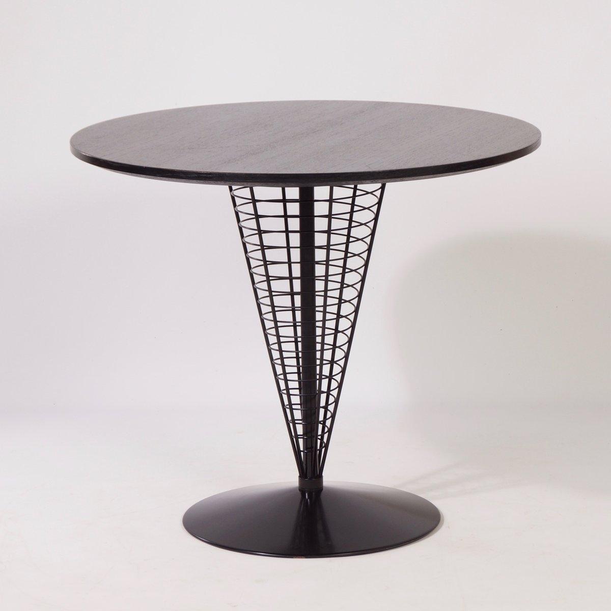 draht cone tisch mit zwei draht cone st hlen von verner. Black Bedroom Furniture Sets. Home Design Ideas