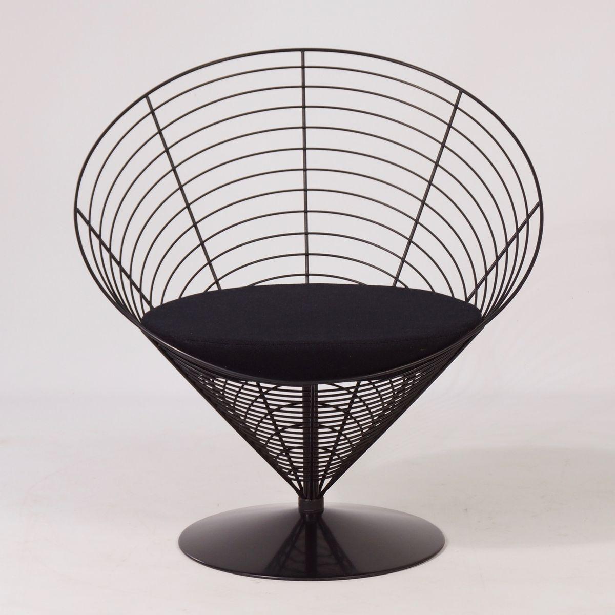 draht cone tisch mit zwei draht cone st hlen von verner panton f r fritz hansen 1980er bei. Black Bedroom Furniture Sets. Home Design Ideas