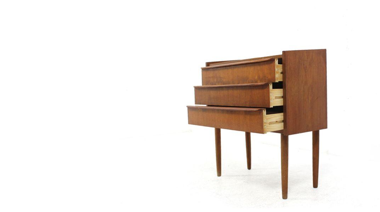 kleine d nische vintage kommode bei pamono kaufen. Black Bedroom Furniture Sets. Home Design Ideas