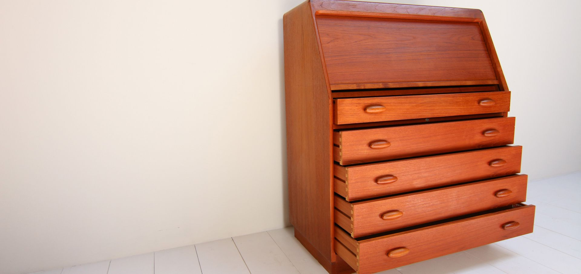 danish vintage secretaire by dyrlund smith for sale at pamono. Black Bedroom Furniture Sets. Home Design Ideas