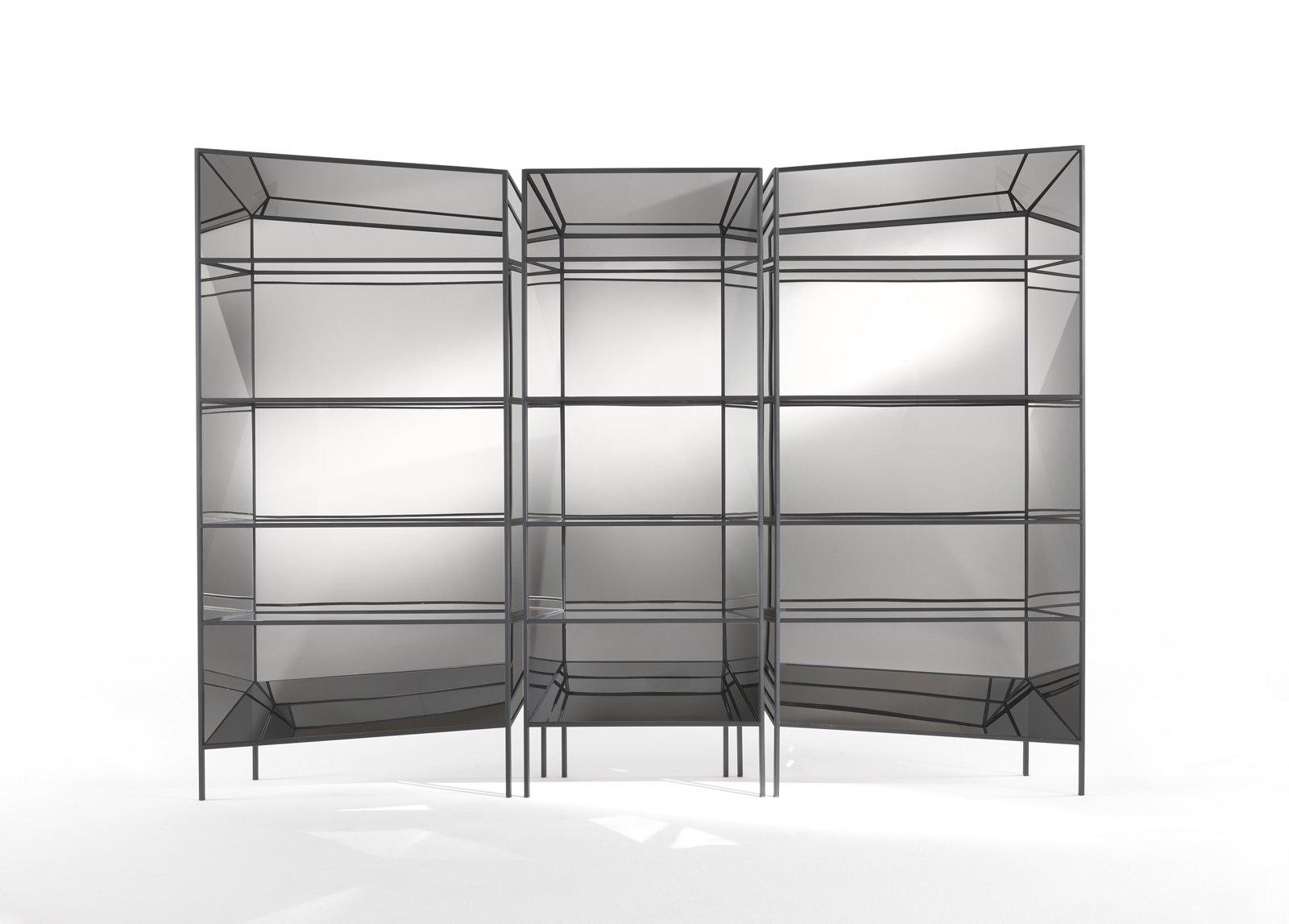 kleine schwarze metall vitrine von sam baron f r jcp 2017 bei pamono kaufen. Black Bedroom Furniture Sets. Home Design Ideas