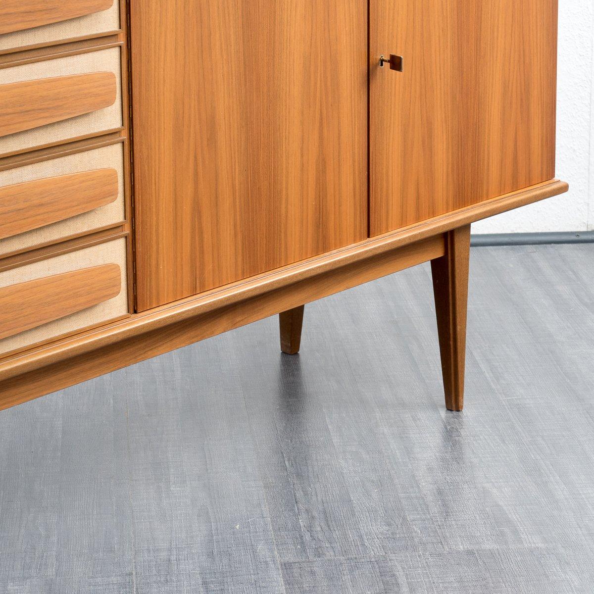 gro es nussbaum furnier sideboard 1960er bei pamono kaufen. Black Bedroom Furniture Sets. Home Design Ideas