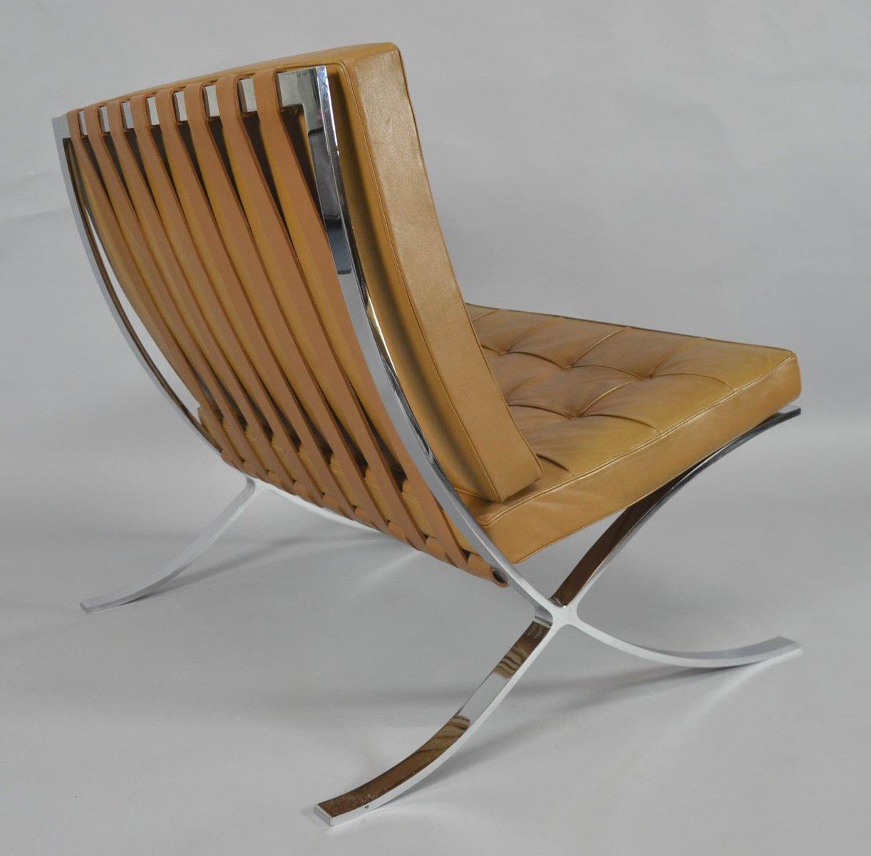 Chaise barcelona vintage avec ottomane par ludwig mies van der rohe pour knoll international en - Mies van der rohe chaise ...