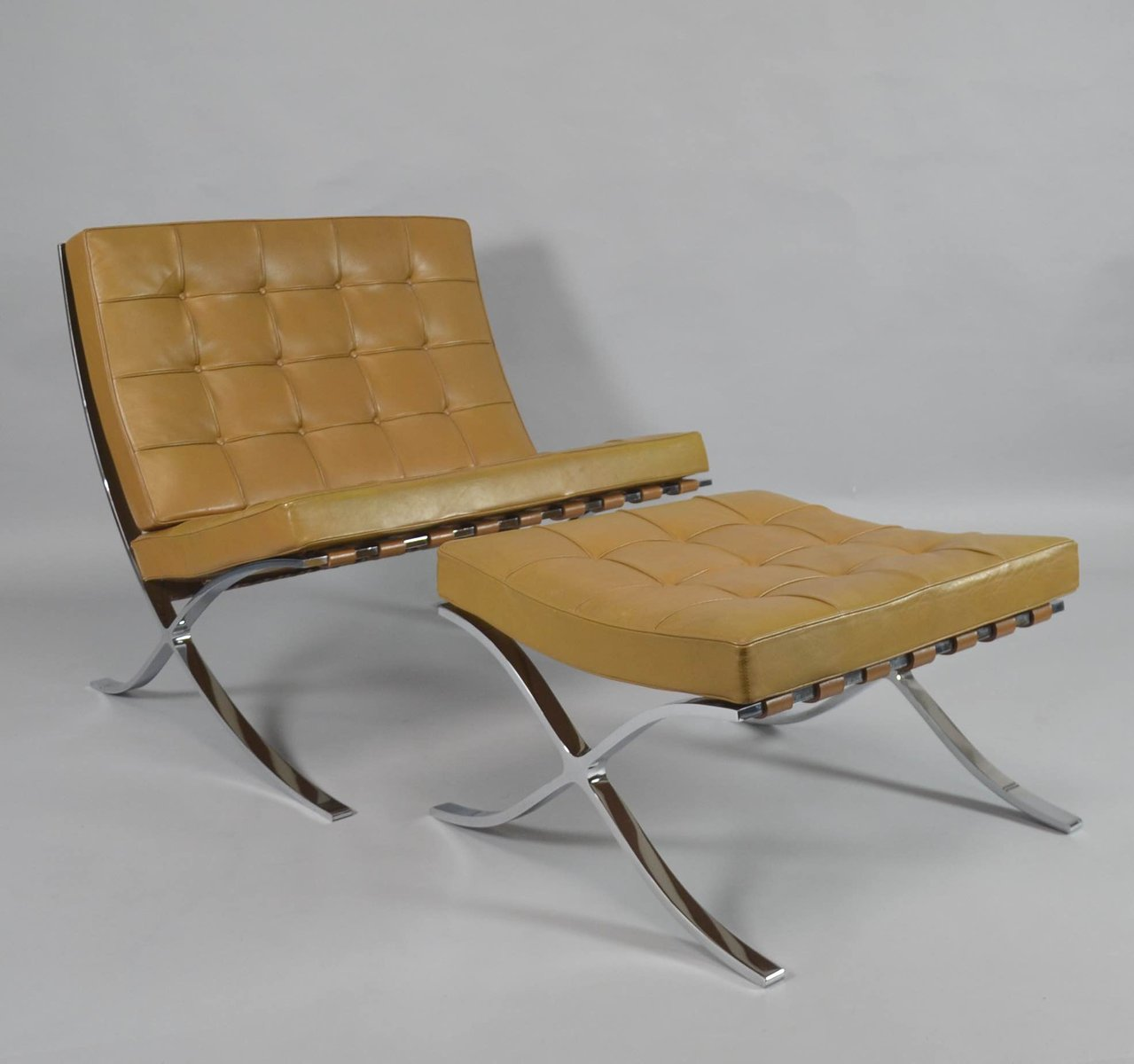 vintage barcelona chair with ottoman by ludwig mies van. Black Bedroom Furniture Sets. Home Design Ideas